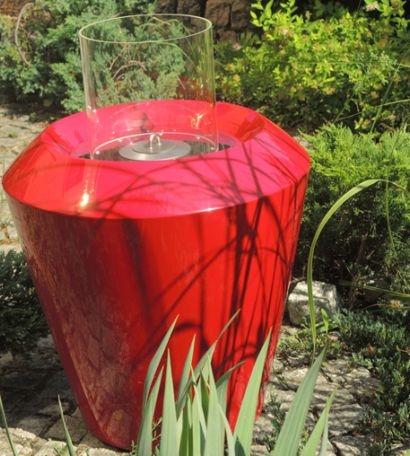 Biokominek Canico w ogrodzie