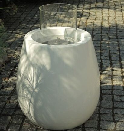 Biokominek Silba w ogrodzie